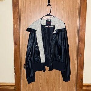 Woman's plus size faux leather jacket! 3XL
